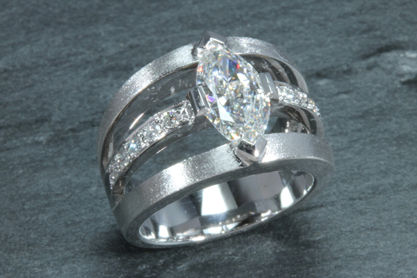 bague 3 rangs diamants or gris